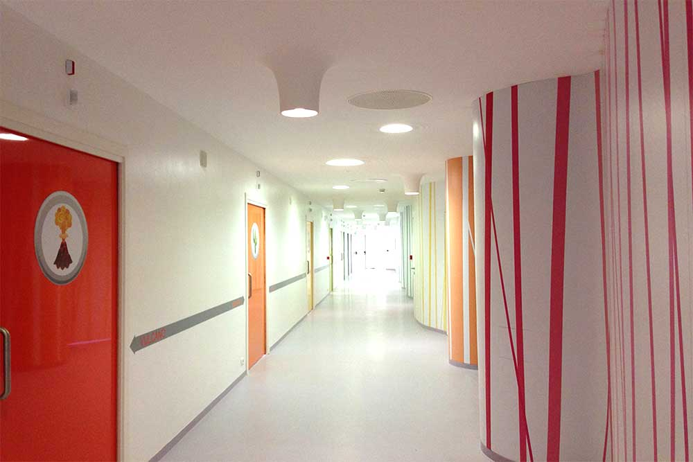 Artigo Multifloor ND UNI is perfect for hospitals, rubber flooring available from Chroma Global